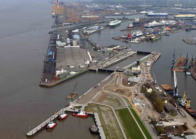 NORTH LOCK, BREMERHAVEN  REPAIR OF FLOODGATE NO. 1